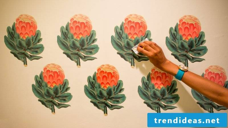 Make a wall tattoo yourself: Watch our video tutorial