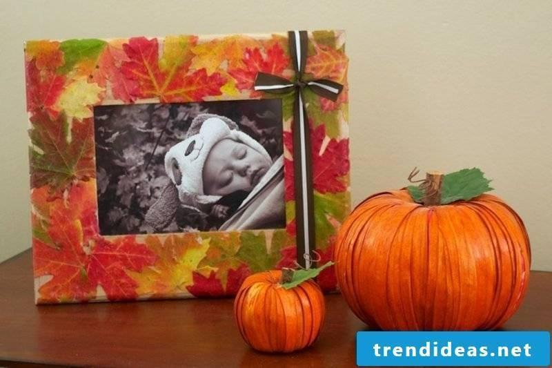 Autumn decoration photo frame