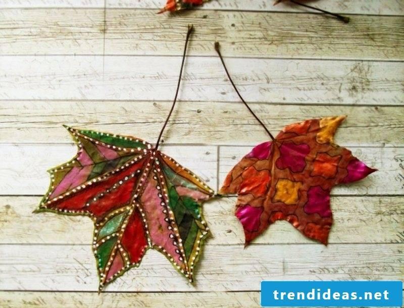 Autumn decoration ideas leaves paint
