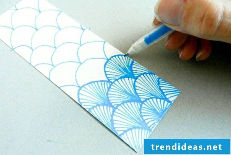 Make bookmarks and paint dandruff patterns