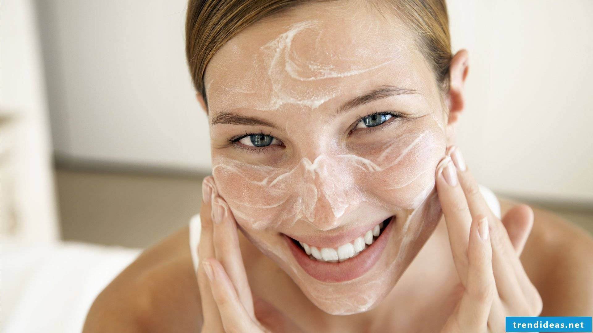 Face cream itself make DIY recipes and instructions