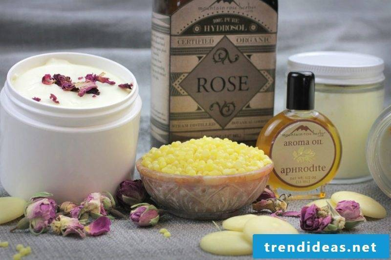 Rose make face cream itself