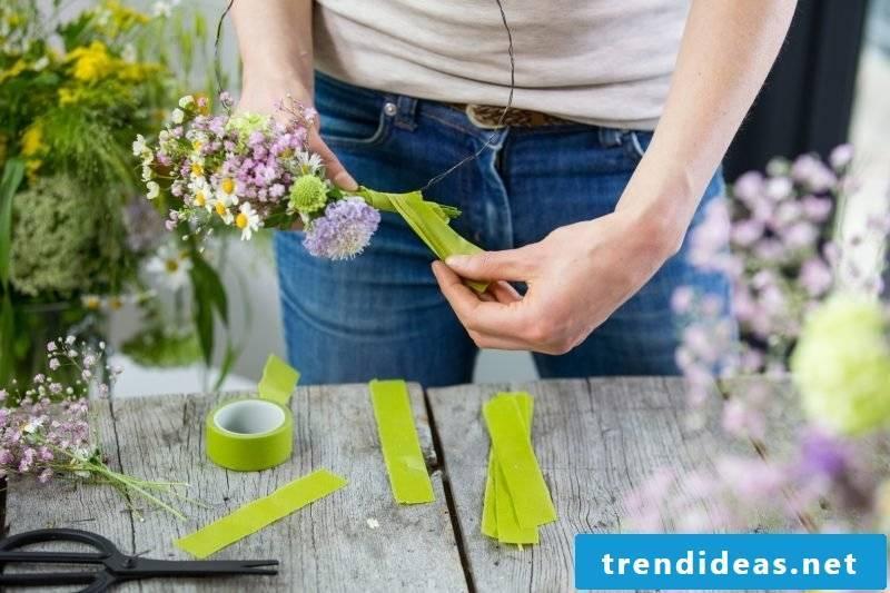 floral arrangements-yourself-making flowers