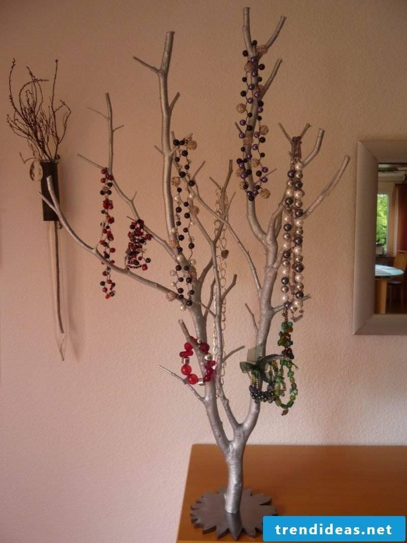 Jewelery tree