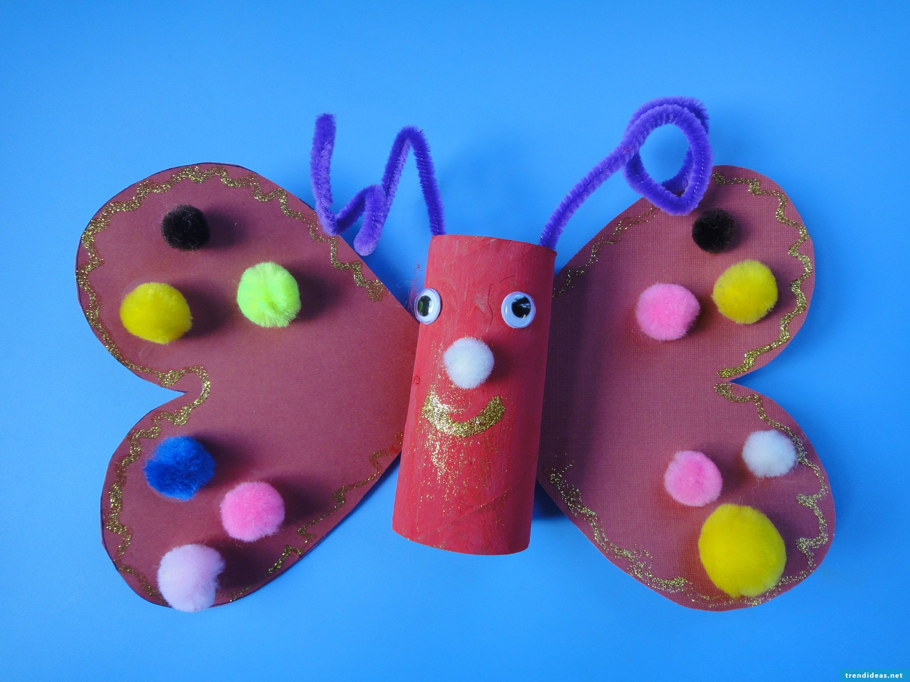 Kids crafts with pompoms