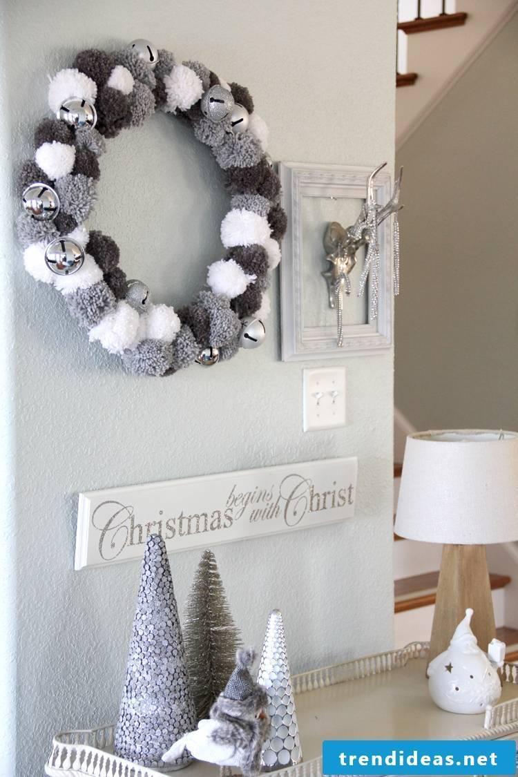 Christmas wreath of pompoms