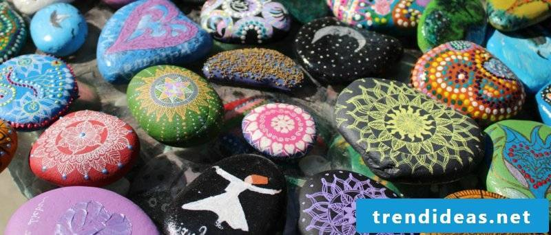 painted stones different motives