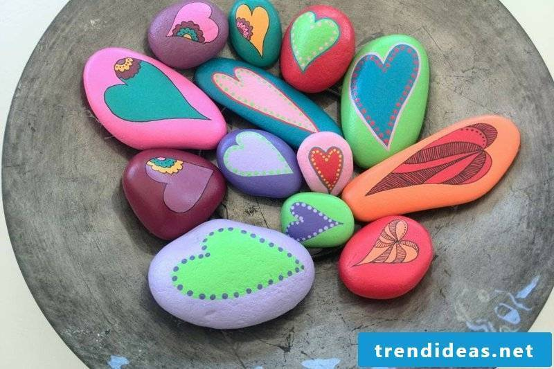painted stones colorful hearts