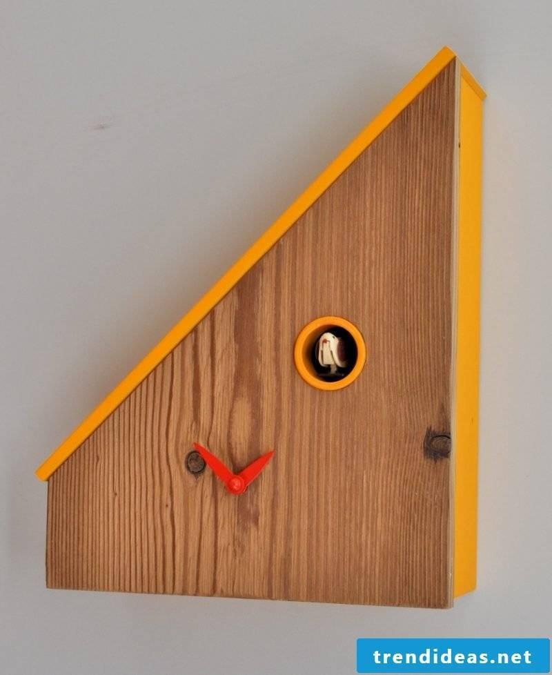Modern design for cuckoo clocks