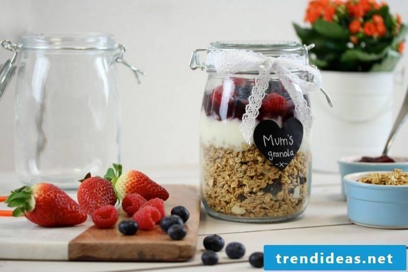 Mother's Day gift - prepare breakfast