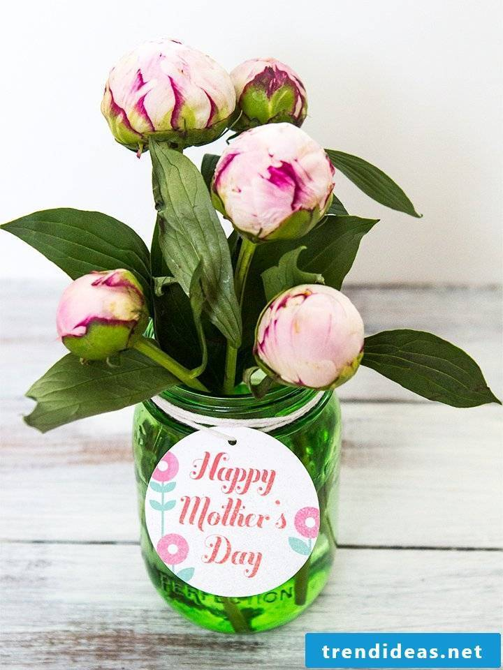 Mother's Day crafts: make unique flowers gift