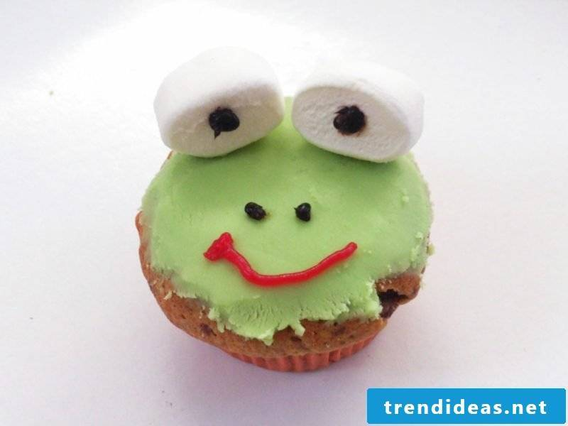 Baking with children Muffins Frog