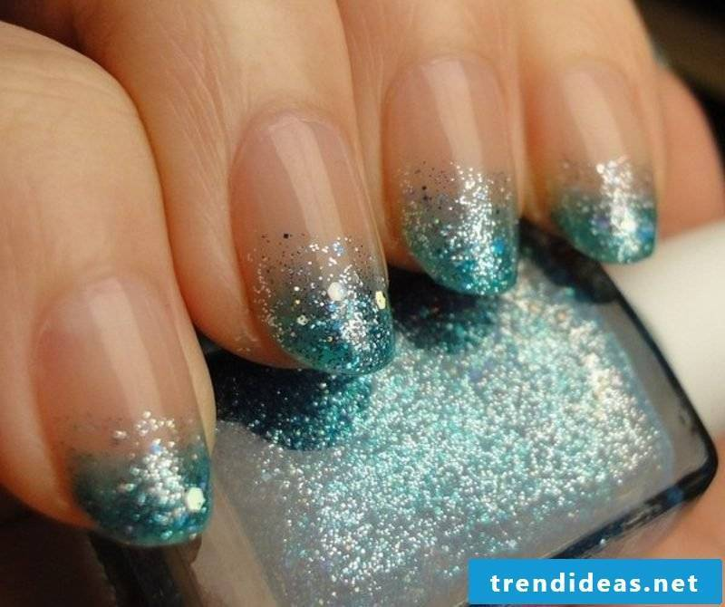 nailart gallery winter motifs ombre effect