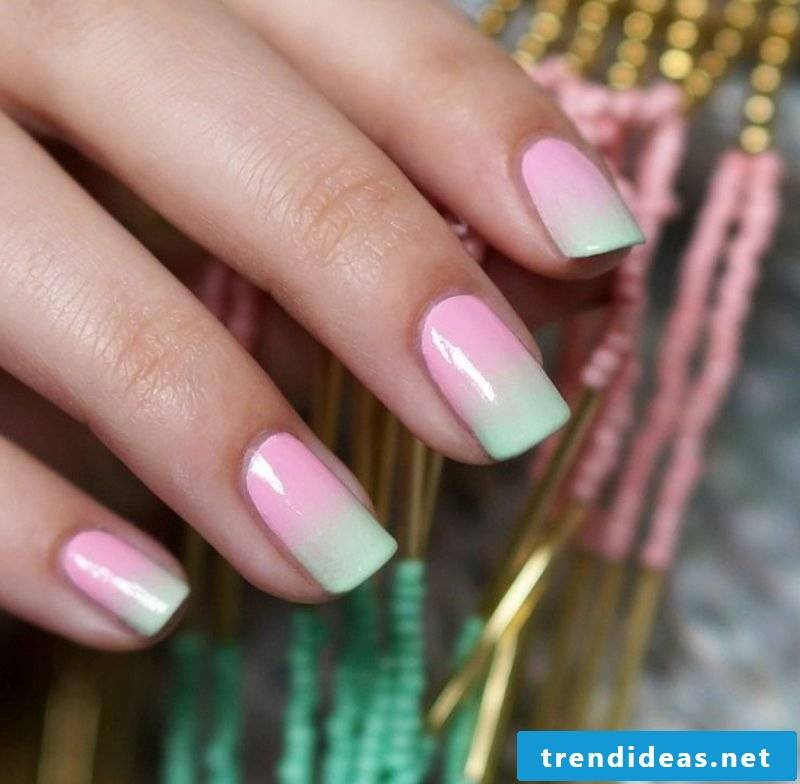 Fingernails with ombre effect pastel colors