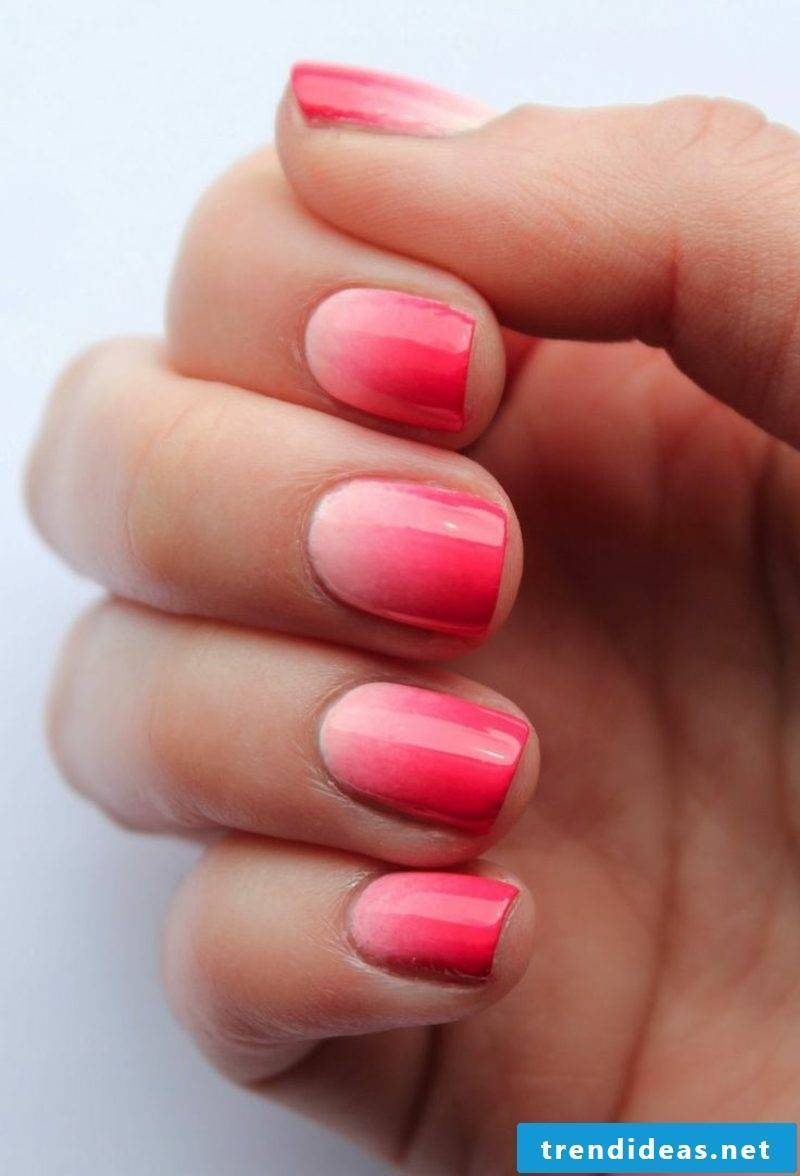 Fingernails Ombre effect