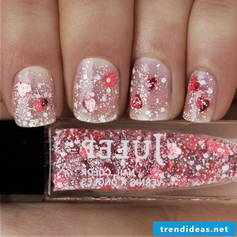 Nail art romantic glitter
