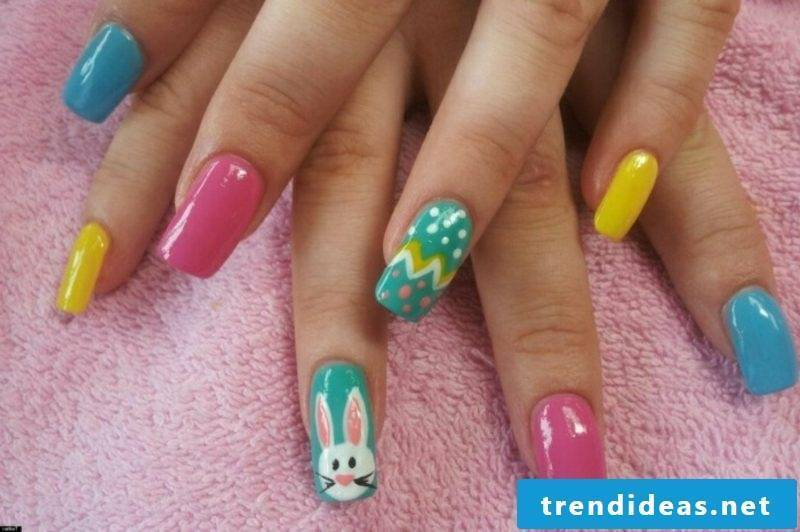 Nailart design spring Easter motives