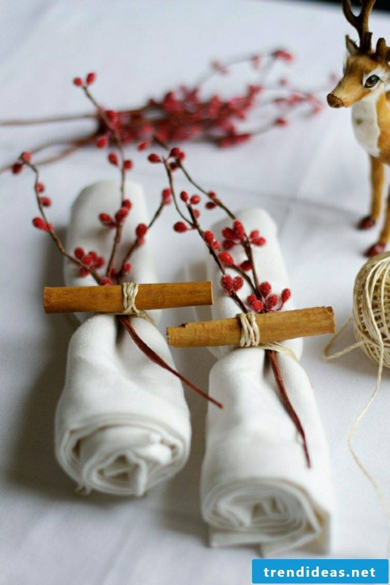 Make napkins for Christmas Make napkin rings