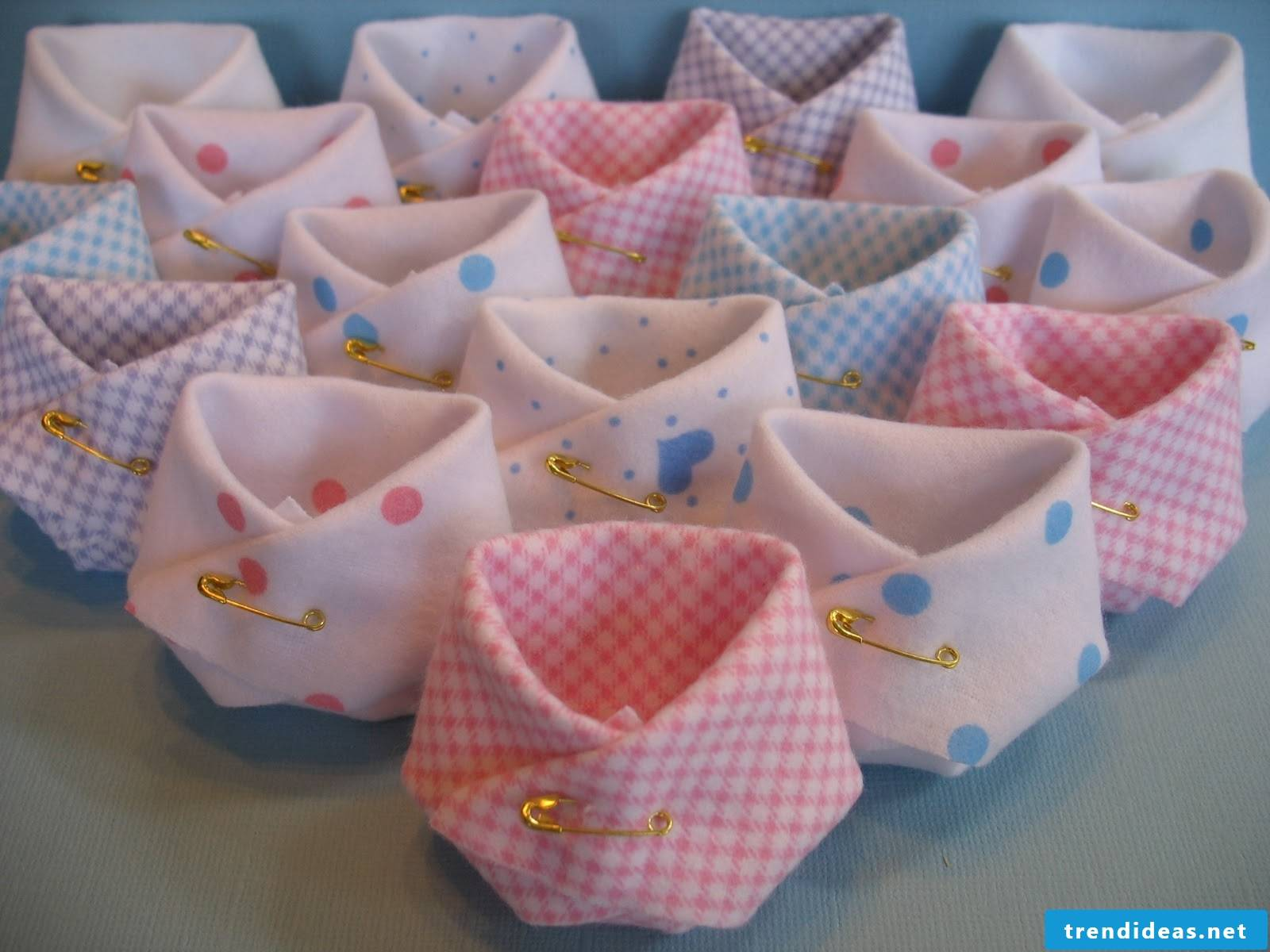 Baby diapers made of folded paper and several great ideas can be found here!