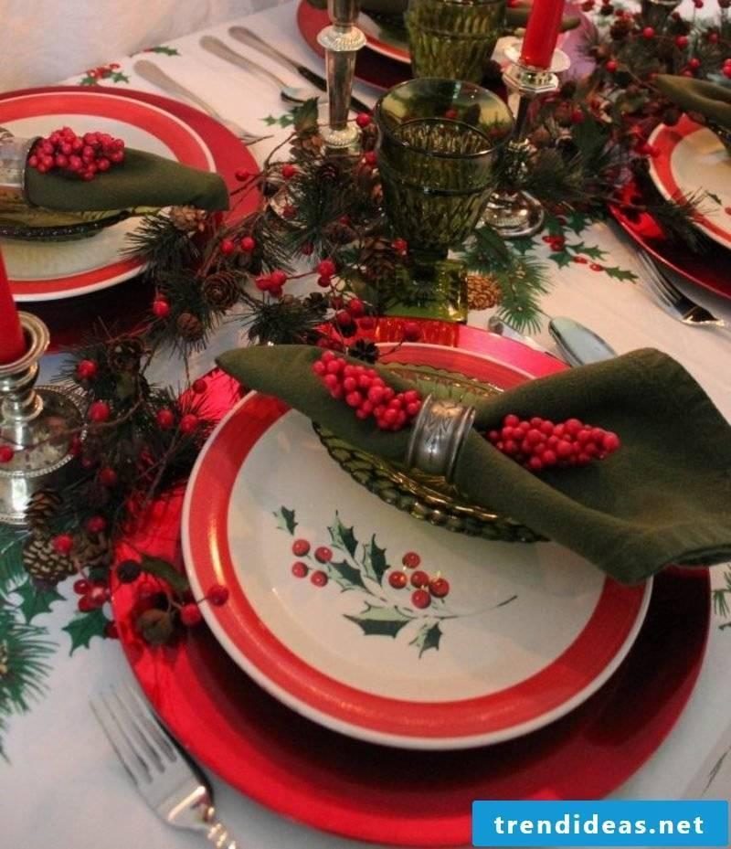 Napkins fold at Christmas creative ideas table decoration