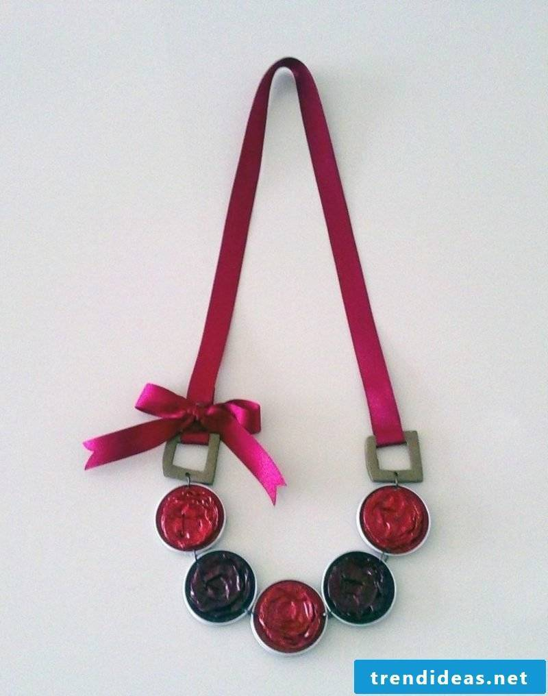 DIY Crafting Ideas Necklace made from Naspresso capsules