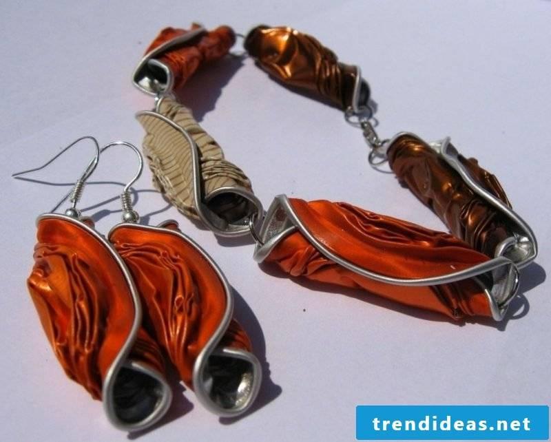 Craft jewelry from Nespresso capsules yourself