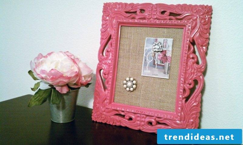 Make memoboard yourself with picture frames