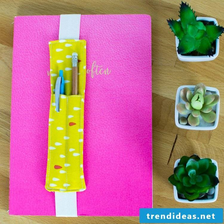 The 2 in 1 bookmark - pretty and practical
