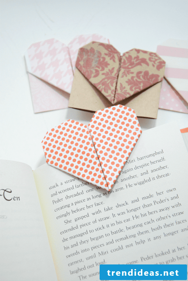 This stunning bookmark in combination with an interesting book will also go great with a great Valentine's Day gift.
