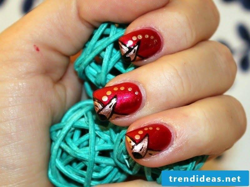 Beautiful gel nails discreet design