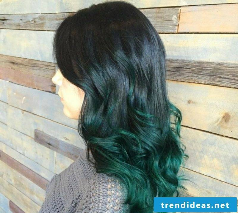 Painting hair ombre look dark green lace