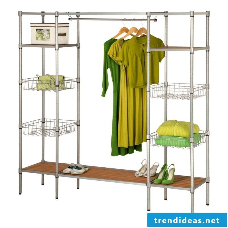 Design a personal walk-in wardrobe according to your own preferences!