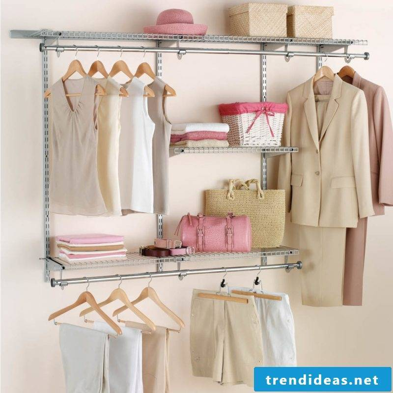 Order in the chic design: space-saving walk-in wardrobe: so the accessories are stored properly