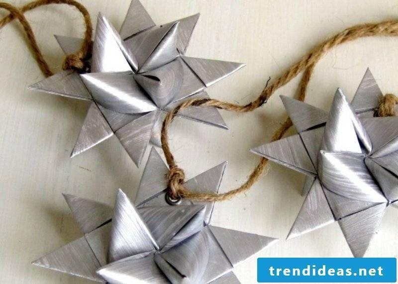 Origani fold Christmas crafting instructions