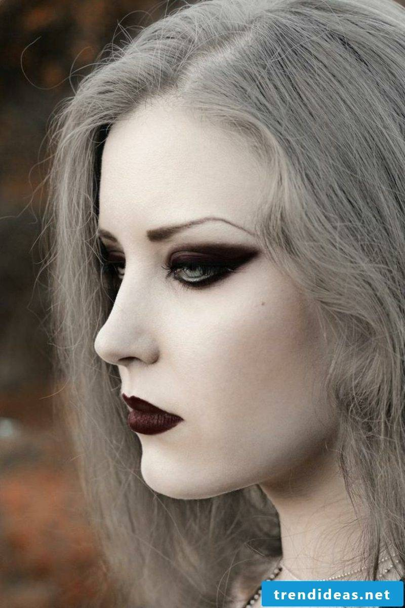 Halloween costumes witch makeup gorgeous gray hair