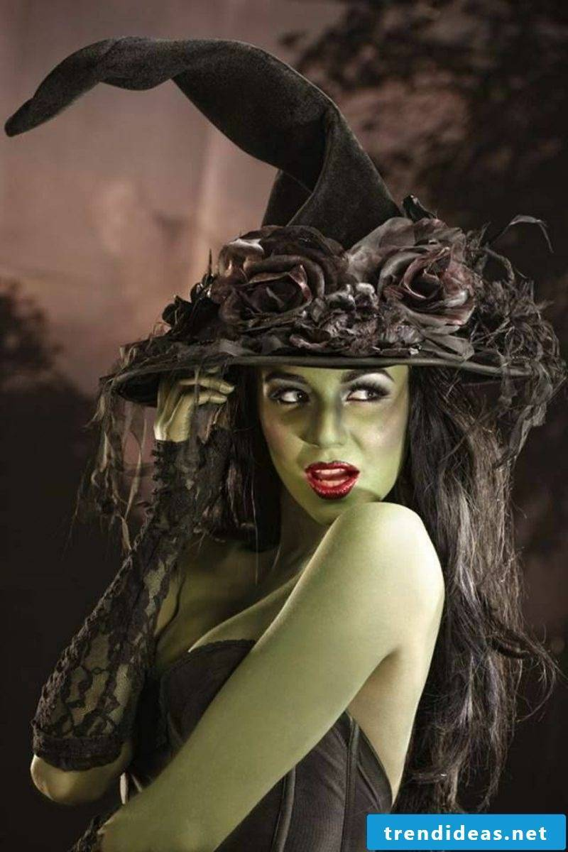 Halloween costumes witch green skin