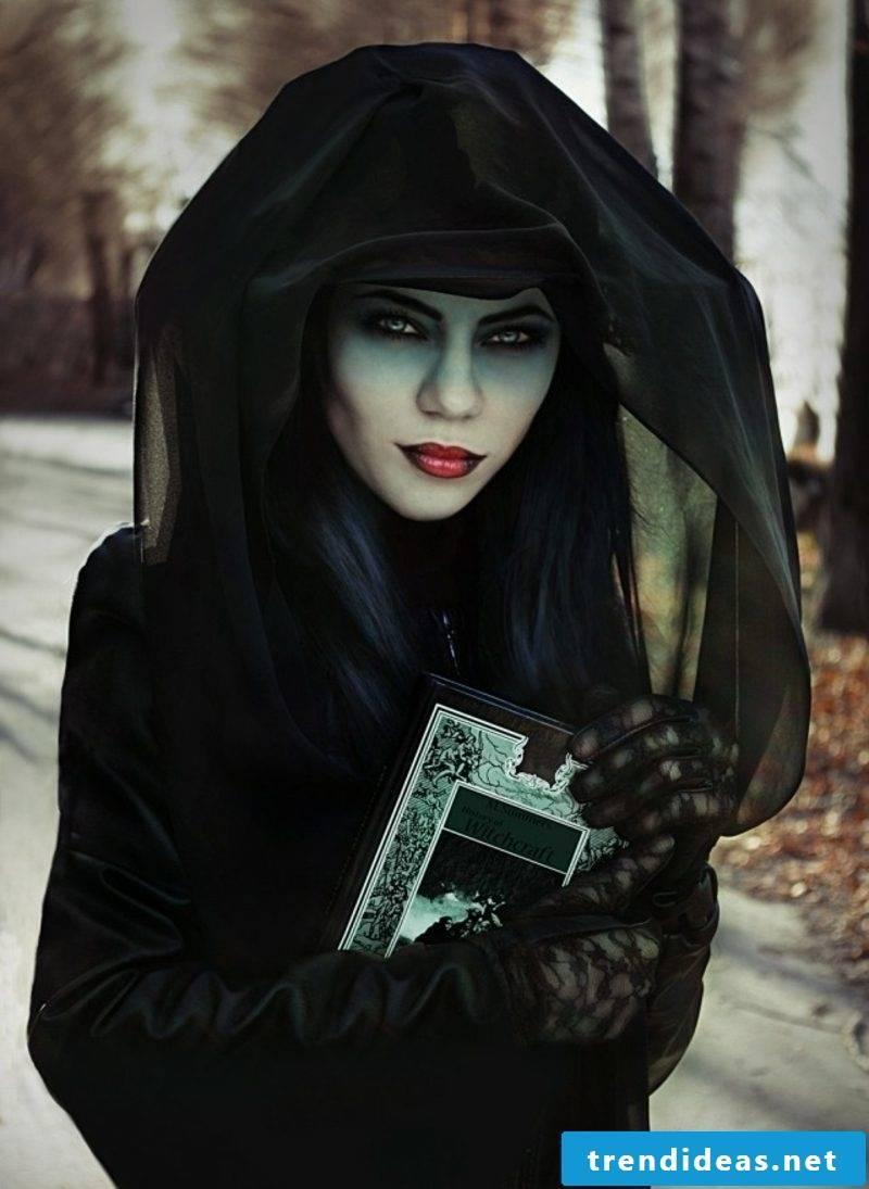 Halloween costumes witch original look