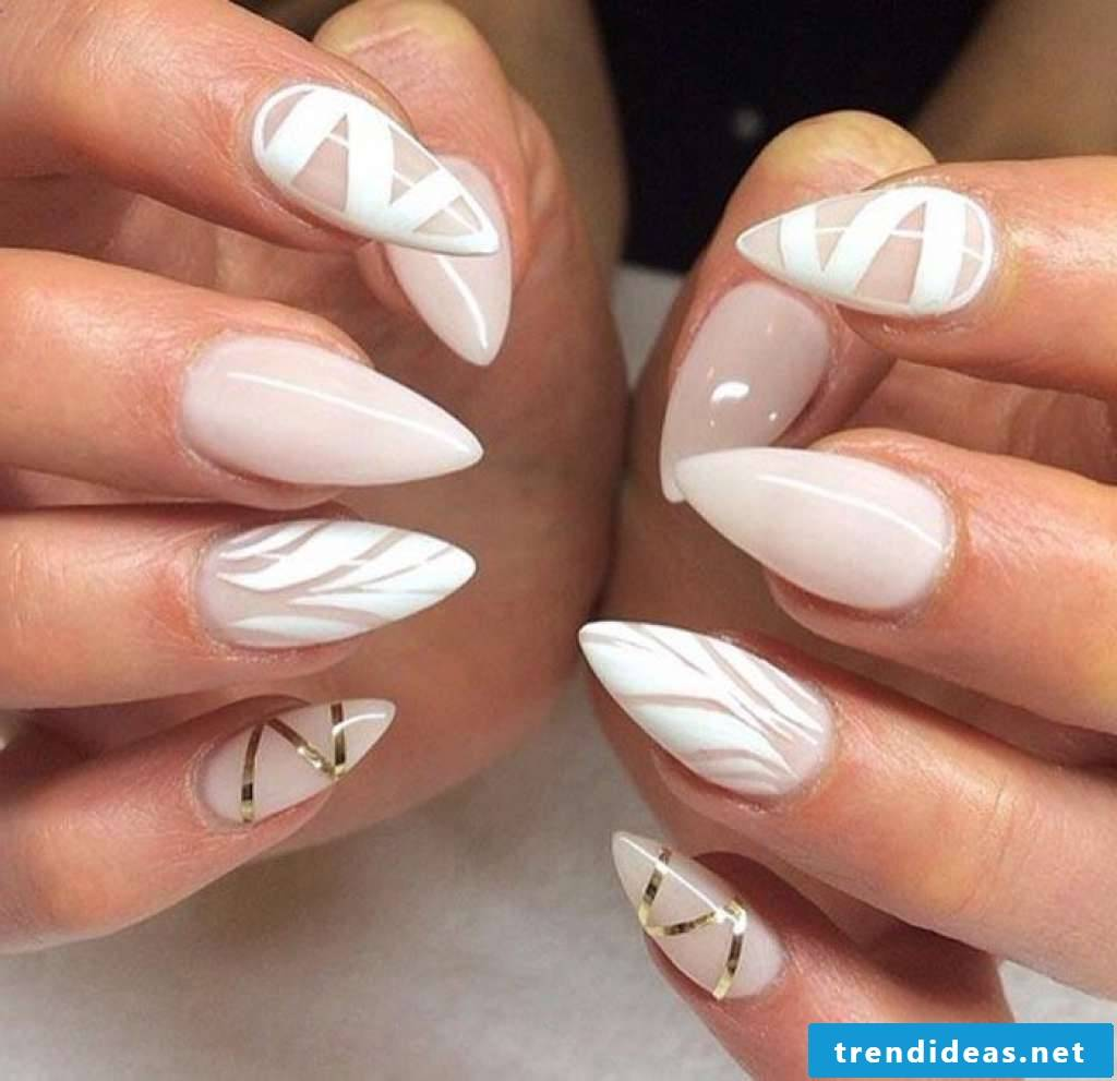 Chic pointed nails - noble design