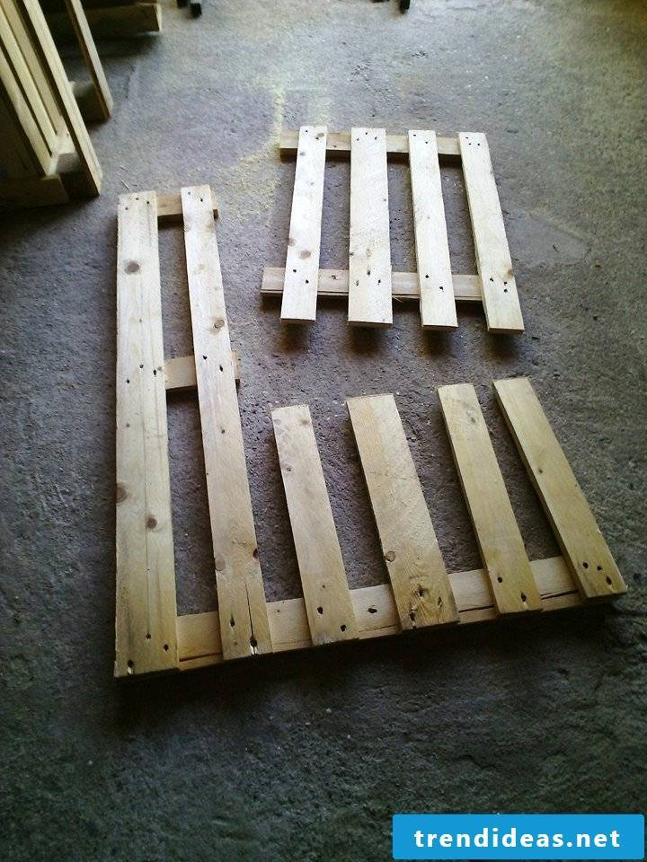 pallet furniture bank of pallets build yourself step 3
