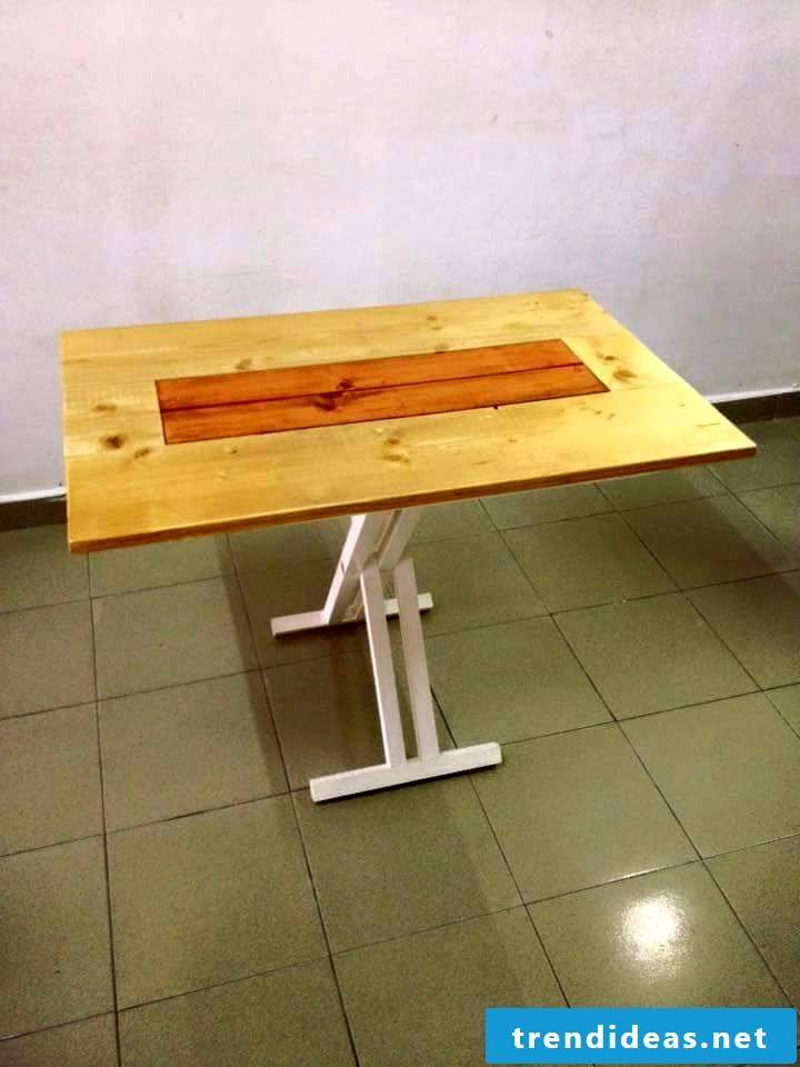 Pallet furniture build a table yourself from pallets