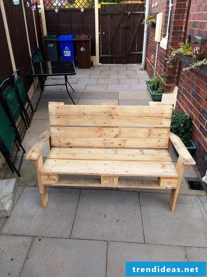pallet furniture bank of pallets pallet furniture build yourself