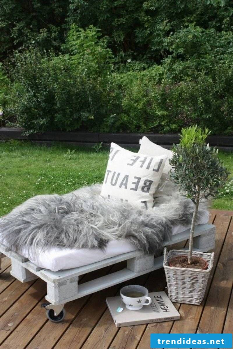 lounge from palette pallet furniture to build your own furniture from pallets