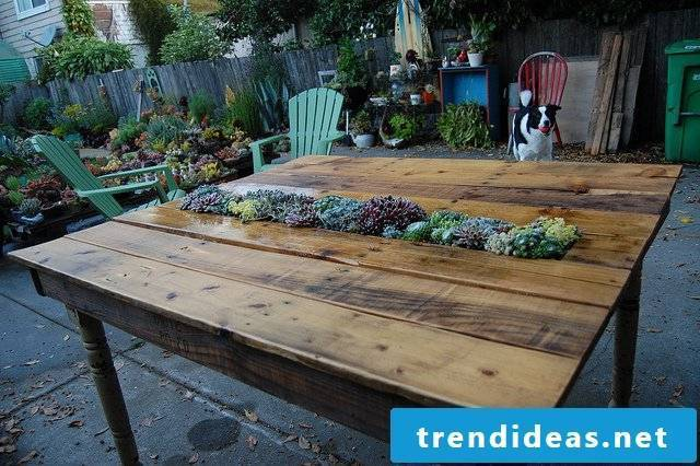 pallet garden furniture yourself build table from pallets diy ideas