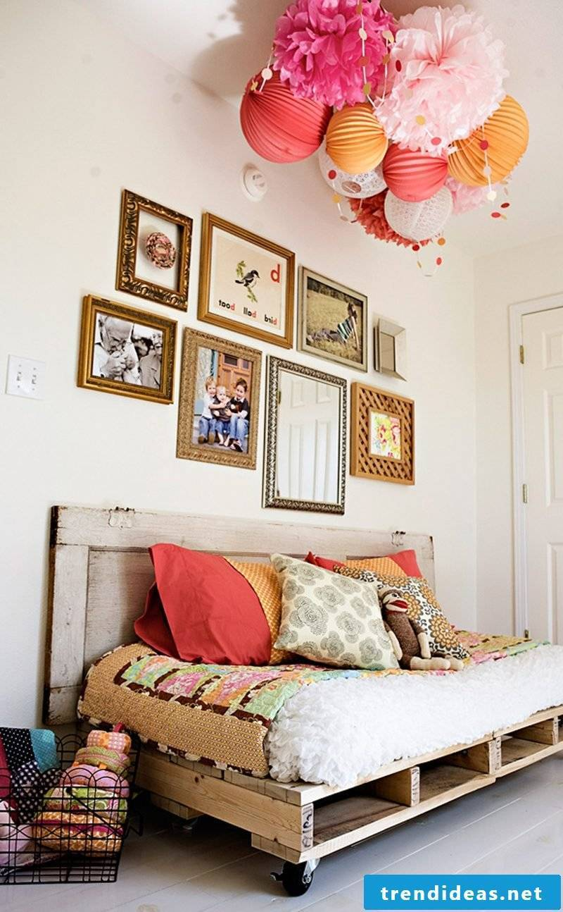 bed of pallets build yourself craft ideas pallet furniture