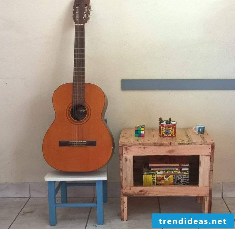 side table table from palette pallet furniture build yourself