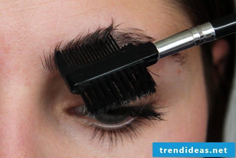 Eyebrow shapes - plucking instructions