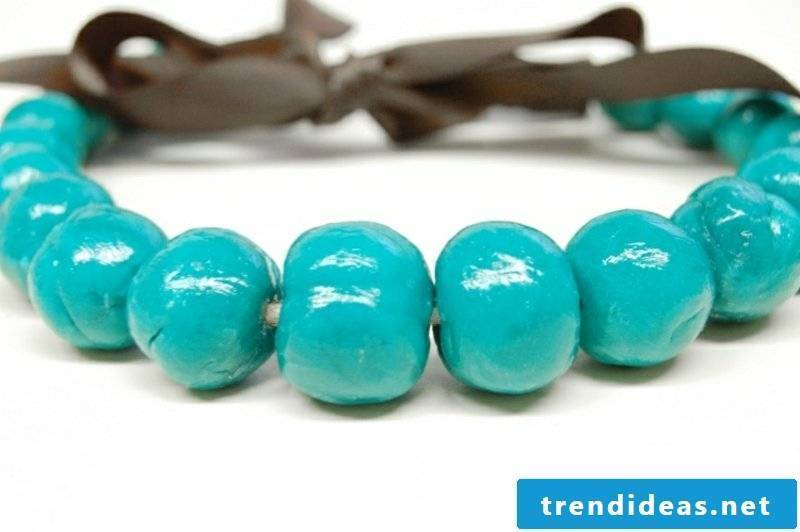 Bracelet made of modeling clay