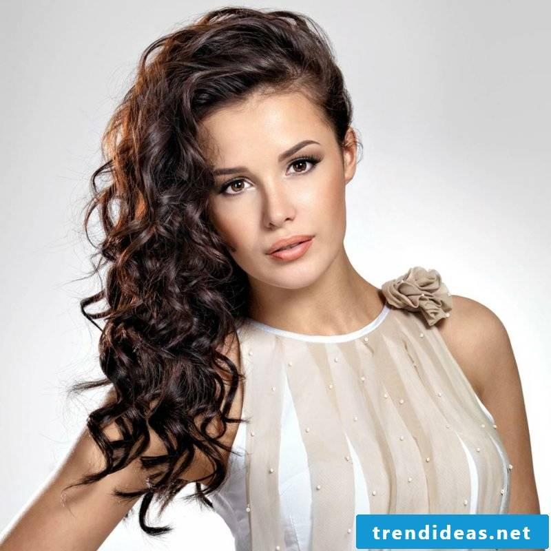 Hairstyles Longhair open curly hairstyle
