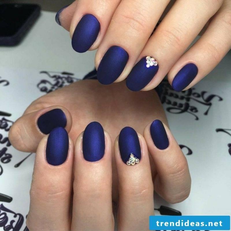 original nail design in deep blue autumn