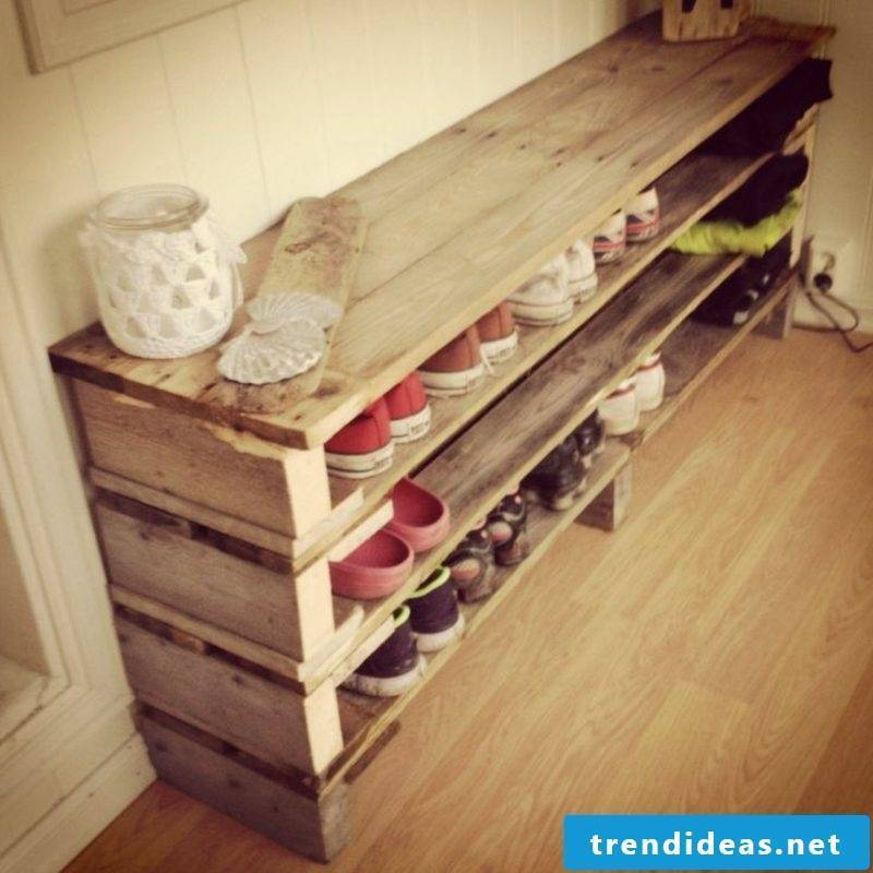 Corner shelf itself build shoe rack made of pallets